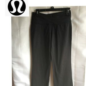 Lululemon size 6 Reg black yoga bell bottom